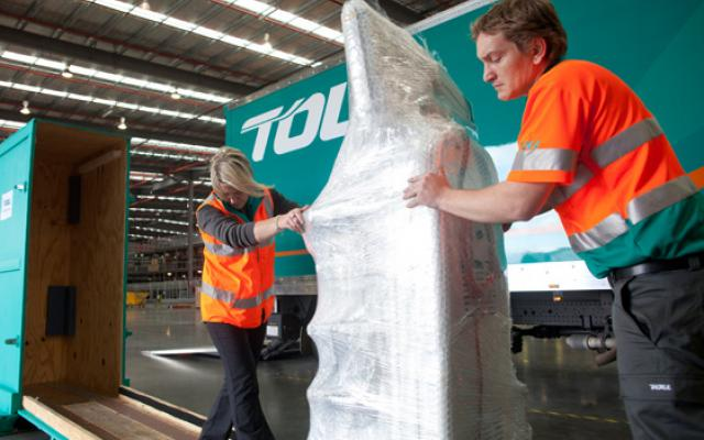 Toll's sensitive freight specialists move delicate equipment